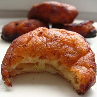 Kuih Kodok/ Jemput-Jemput Pisang (Malaysian Mashed Banana Fritters).