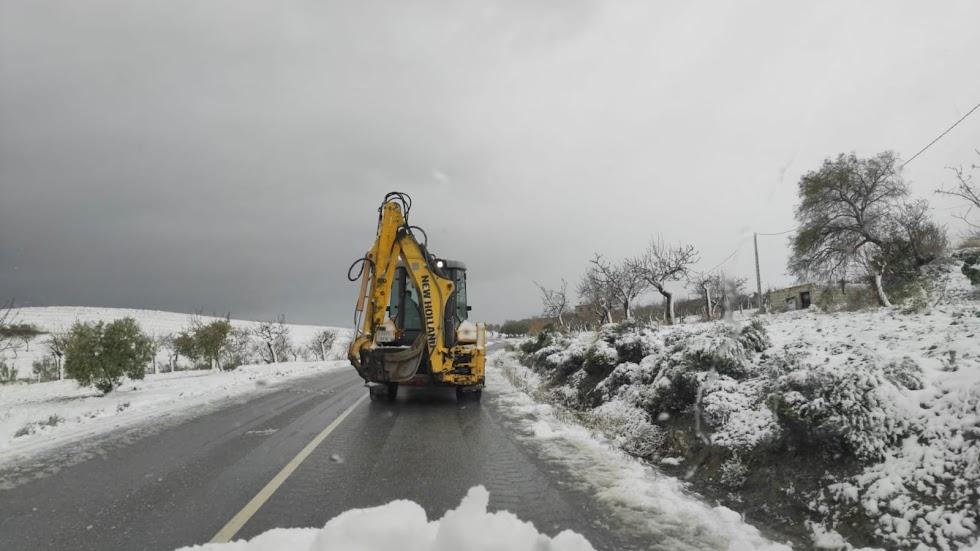 Una de las carreteras del municipio de Oria.
