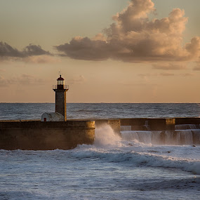 Same old lighthouse by Diogo Ferreira - Buildings & Architecture Other Exteriors ( waves, lighthouse, sea, porto, golden hour )