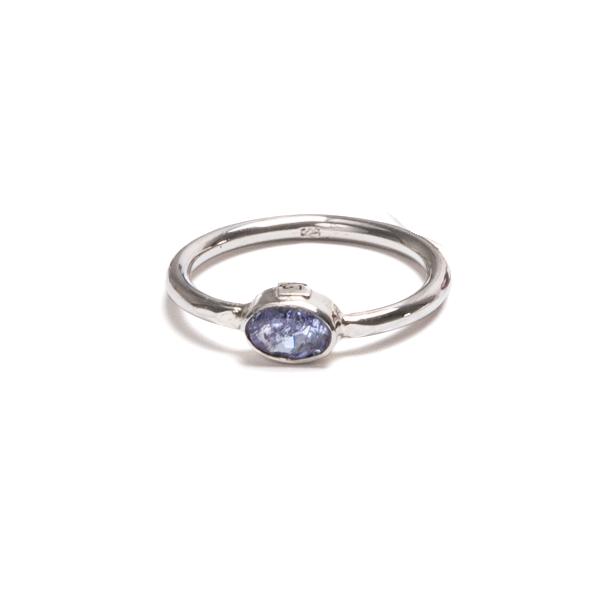 Spinell, blå fin fasettslipad sten i silverring