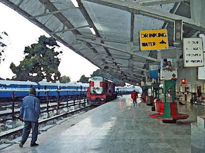 Short essay on railway station in hindi