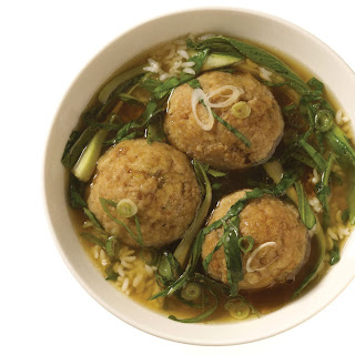 Lion's Head Meatballs with Napa Cabbage