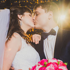 Wedding photographer Alena Gorbacheva (LaDyBiRd). Photo of 13.12.2014