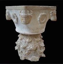 Photo: Vasca battesimale proto-romanica (fine sec. x) posta su un capitello corinzio capovolto