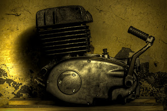 Photo: #es250rebuild  ... der Motor wartet in einer dunklen Ecke ...