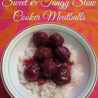 Sweet & Tangy Slow Cooker Meatballs #SlowCookerMeals.