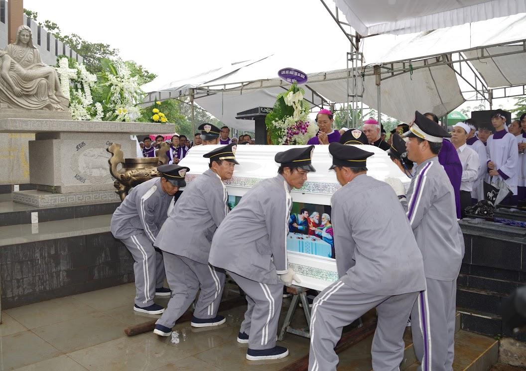 Thánh lễ an táng Cha Giuse Trần Ngọc Tâm - Chánh xứ Xuân Đức - Ảnh minh hoạ 56
