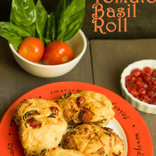 Tomato and Basil Rolls/how to make Tomato Basil Rolls.