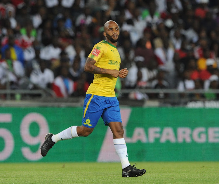 Manyisa silences jeering Pirates fans to help Sundowns beat his ...