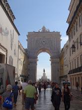 Photo: Blick durch das Tor zum Praça do Comercio