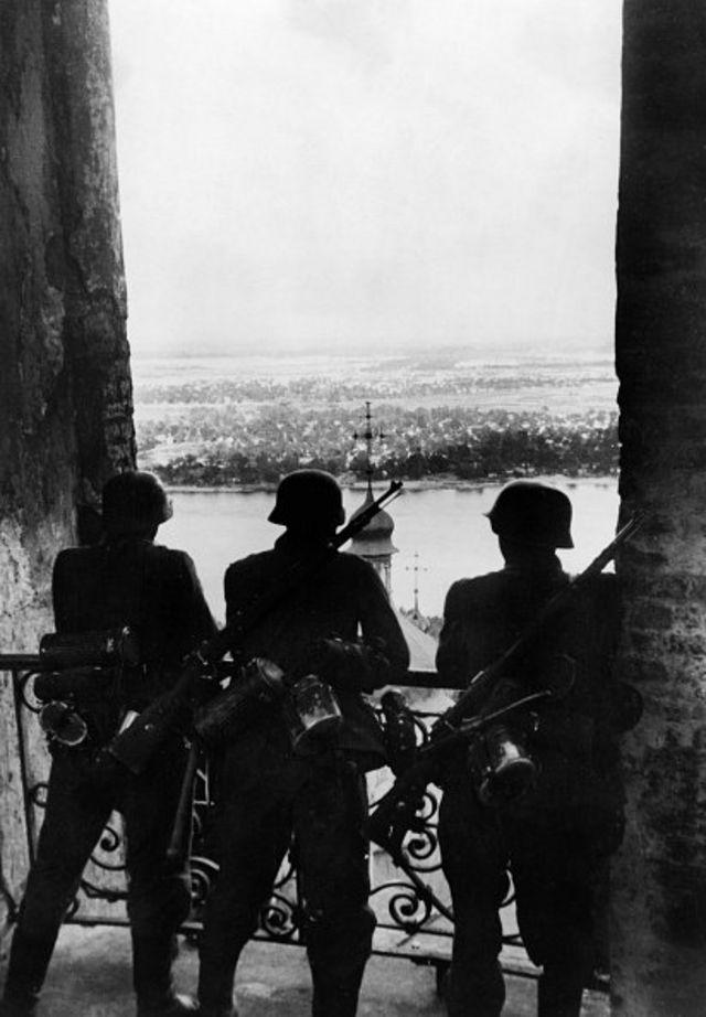 бнімці в Києві, 1941