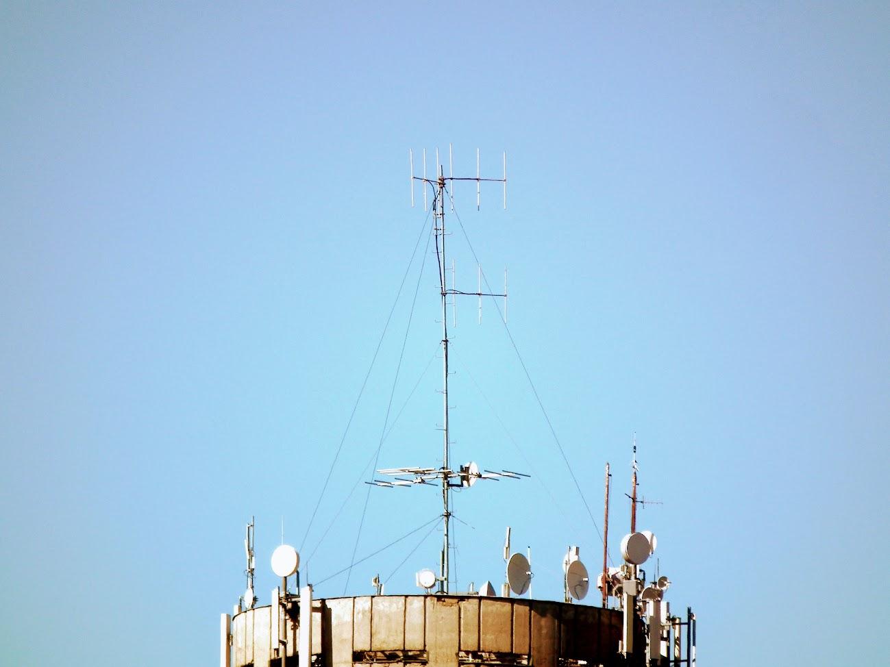 Dabas/víztorony - helyi URH-FM adóállomás