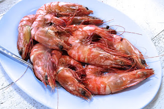 Photo: salt-baked tiger prawns