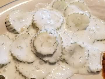 Creamy Yogurt Cucumber Salad