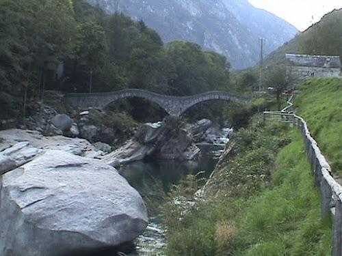 """La """" M """" della Val Verzasca (Svizzera) di horton37"""