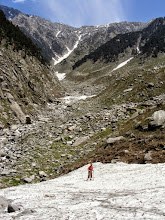 Photo: Climbing glaciers