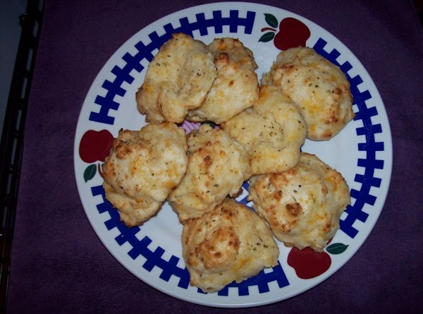 Garlic Cheddar Biscuits Recipe