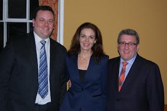 Photo: Steeve Guillemette (Président élu de l'ACSG) et Annick Jaton (Présidente ACSG-Champlain) en compagnie de notre invité spécial, M. Régis Labeaume, maire de Québec.