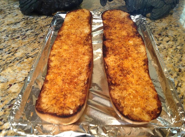 Easy Cheesy Garlic Bread Recipe