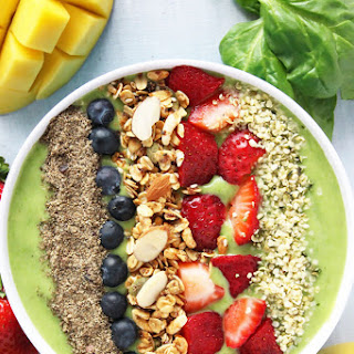 Tropical Green Smoothie Bowl.