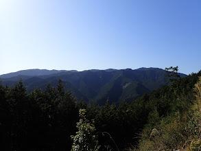 右に四寸岩山、左奥に高原山