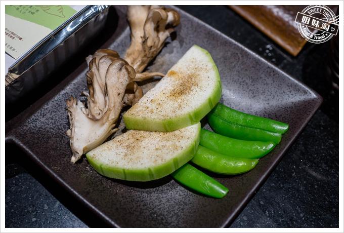 碳佐麻里舞菇絲瓜甜豆
