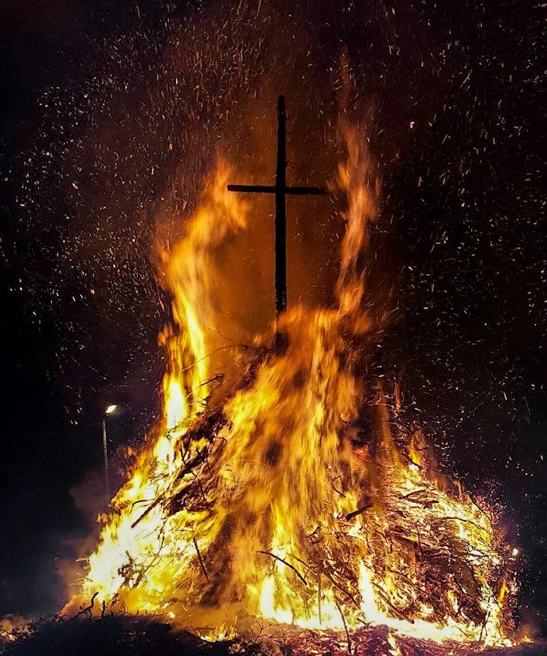 Il fuoco delle credenze di Bainos