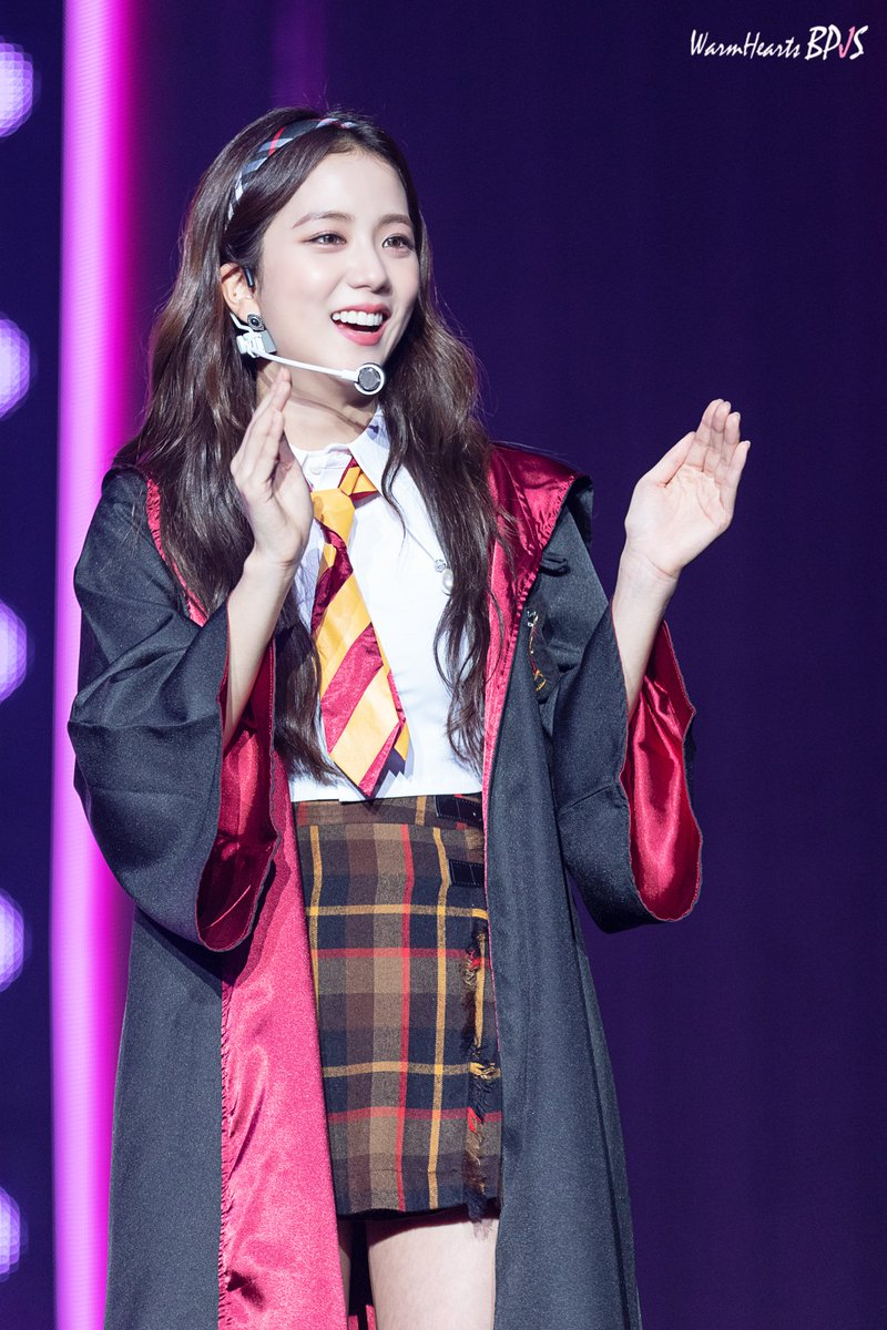 jisoo magic show