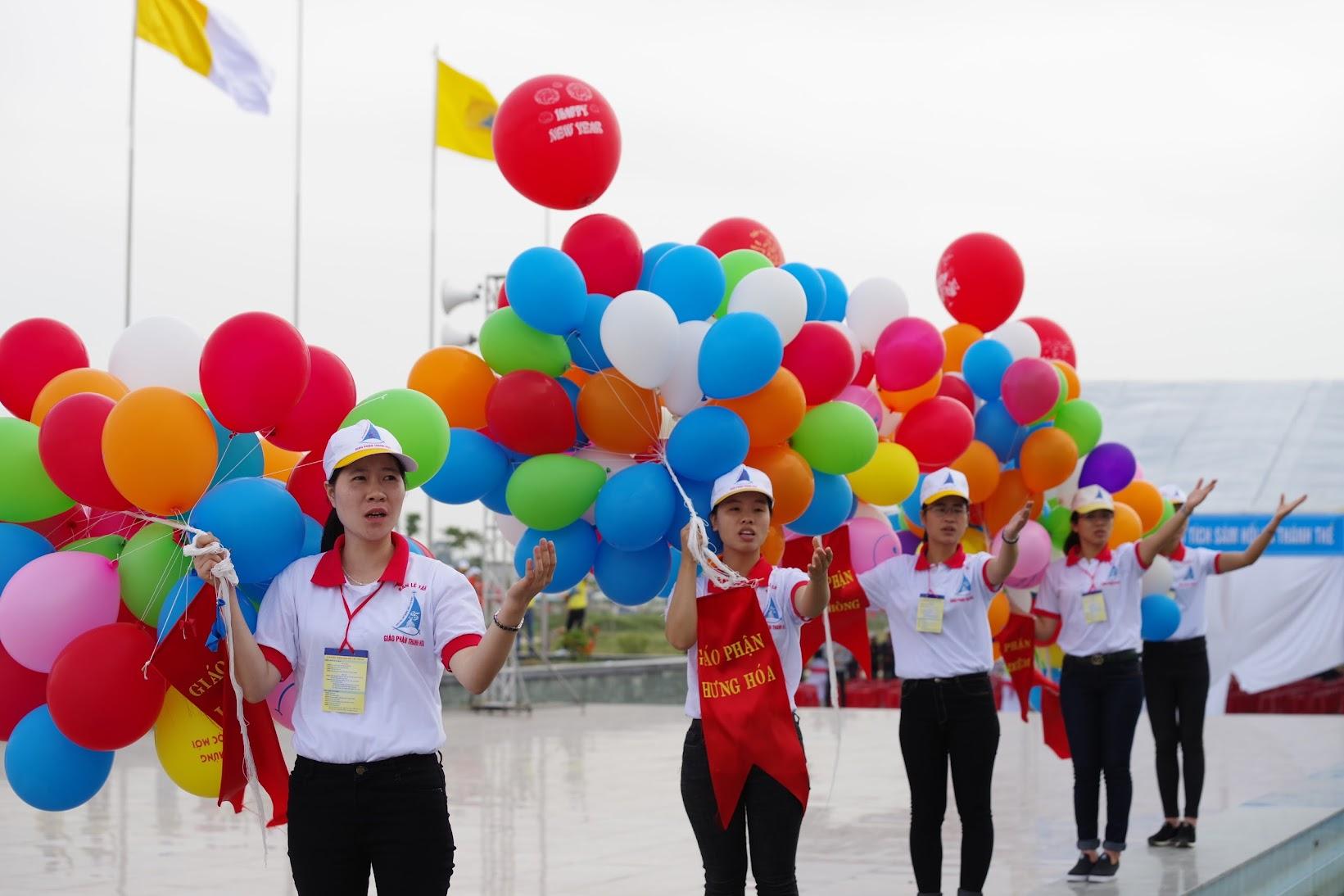 Những hình ảnh đẹp về lễ khai mạc Đại Hội Giới Trẻ giáo tỉnh Hà Nội lần thứ XV tại Thanh Hóa - Ảnh minh hoạ 36