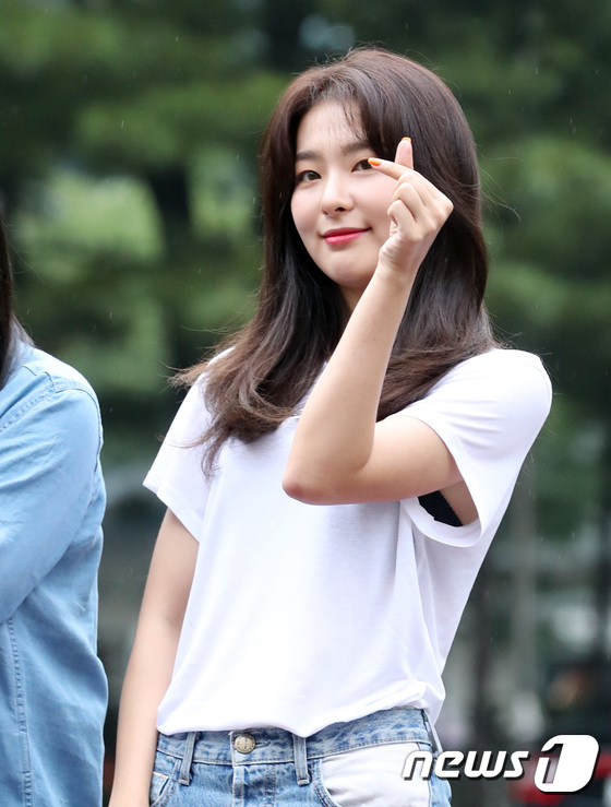 레드벨벳 슬기, 출근길 행복 하트 뿅!