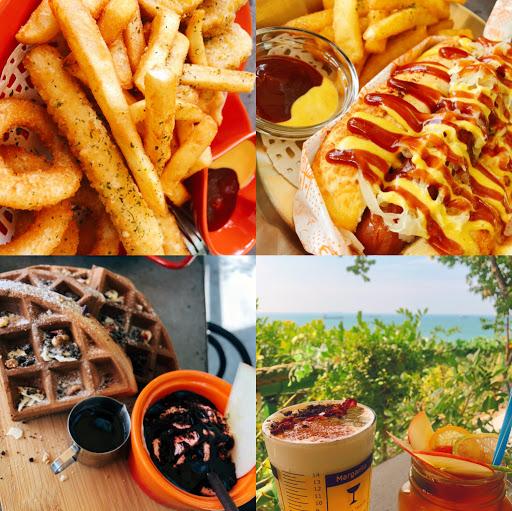超級佛心的觀海咖啡廳 飲料都百元有找,吃的東西也不錯~餐廳分兩邊,要靠海位置要早點到比較好