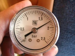 Photo: Bomba cargada y parada por alta presión