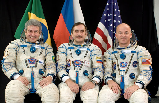 Official Portrait of Expedition 13 Crewmembers