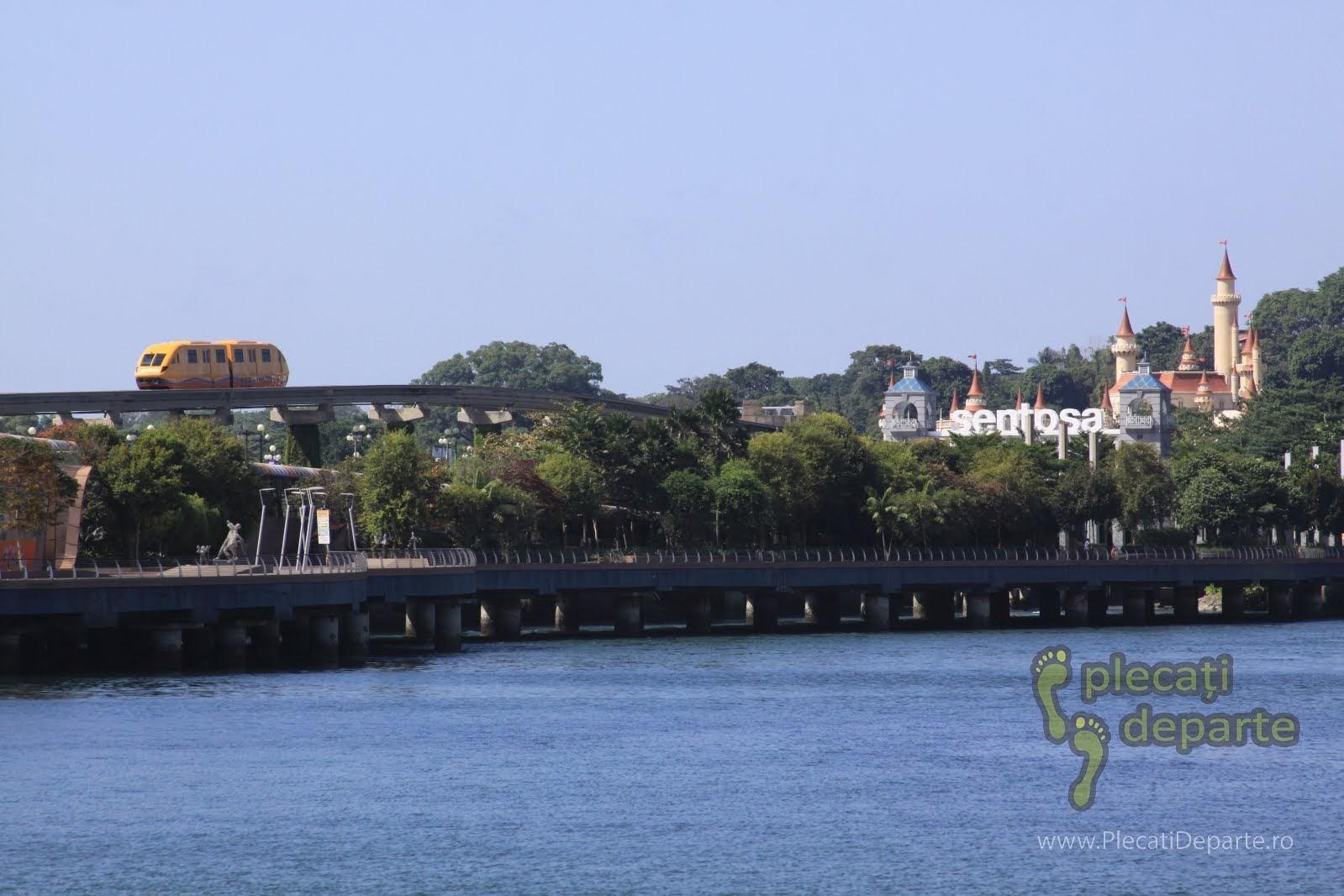 obiective turistice Singapore - transport spre insula Sentosa cu trenul Sentosa Express
