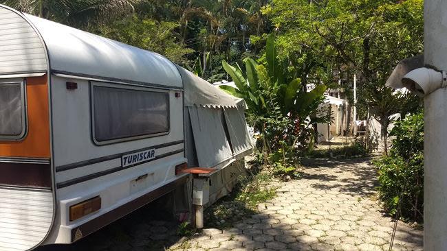 Área de trailers fixos no Camping Tio Gato