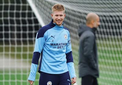 📷 Big smile bij 'King Kev': De Bruyne amuseert zich op training