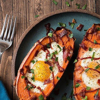 Baked Sweet Potato & Egg Breakfast Boats