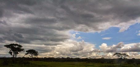 Photo: A beautiful summer sky; Um belo céu de verão.