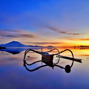 Sunrise Karang beach sanur bali by Wahid Hasyim - Landscapes Beaches ( bali, beaches, nature, sunset, art, beautiful, photographer, sunrise, beach, boat, landscape, photography,  )