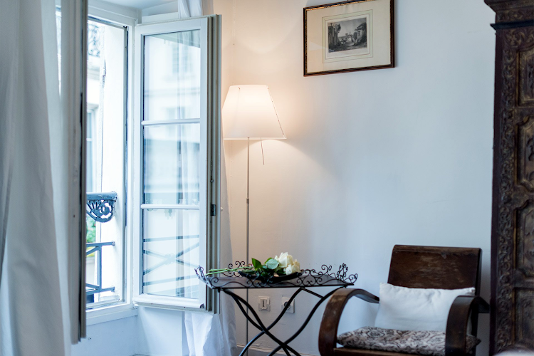 Bedroom at Stylish Marais near beautiful Square du Temple