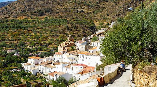 El pueblo de Almería cero covid que se hace compañía a través de WhatsApp