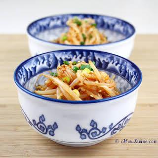 Spicy Mung Bean Salad – Maewoon Sukju Namul.