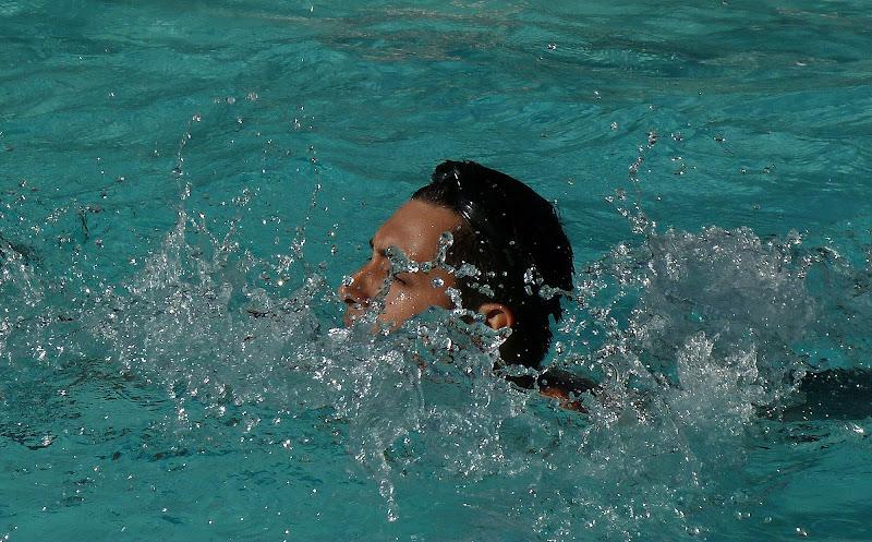 una fresca nuotata di MaxFelice