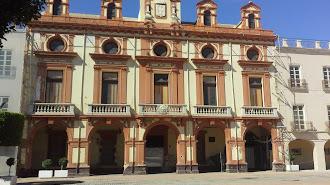 La Plaza Vieja contará este año con siete barras de hermandades.