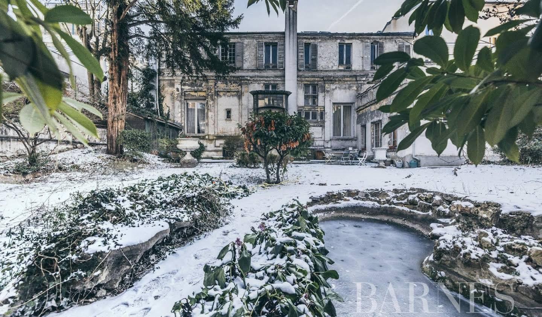 House with garden Paris 19th