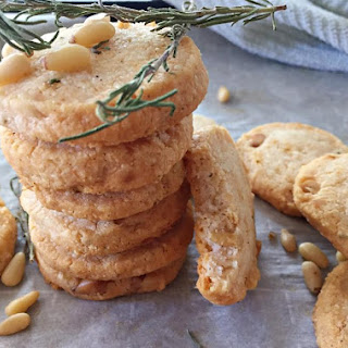 Parmesan and pine nuts Shortbread (gf)