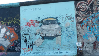 "Photo: East Side Gallery; Birgit Kinder ""Test the Best"""