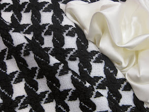 Photo: Ткань: Шанель ш.140см.цена 8000руб.          Ткань:Атлас стрейч натуральный шелк ш.140см.цена 2900руб.