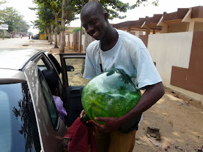 Photo: le plein d'essence s'impose pour regagner Cotonou