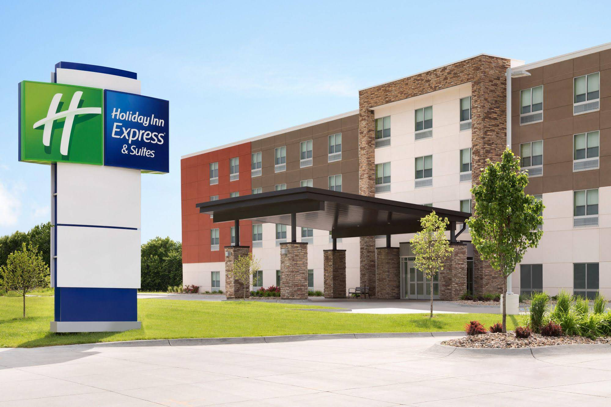 Holiday Inn Express and Suites CINCINNATI SOUTH WILDER